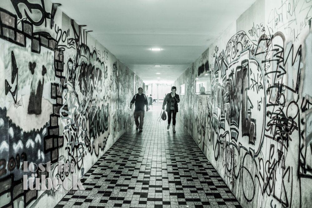 Breite Strasse Lübeck Unterführung Parkdeck Wehdehof Graffiti