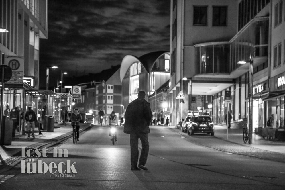 Wahmstrasse Lübeck Abendstimmung Blick die Strasse runter